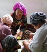 Southern Thailand Andaman tourism - handicraft activities