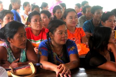 Parents of migrant children from the Burmese Learning Center kuraburi
